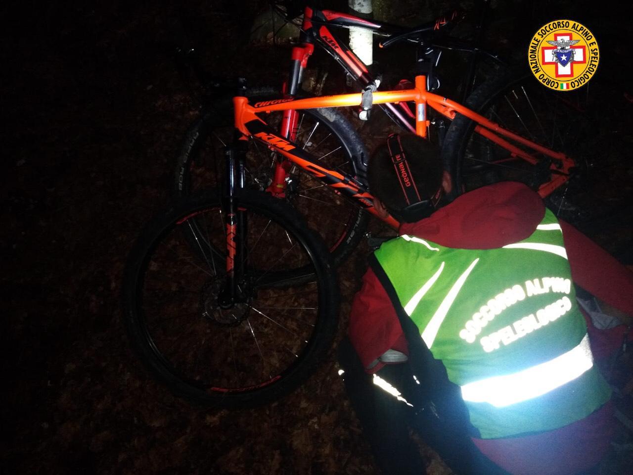 Allarme per due mountain bikers romani, all'alba ritrovati in Val Fondillo