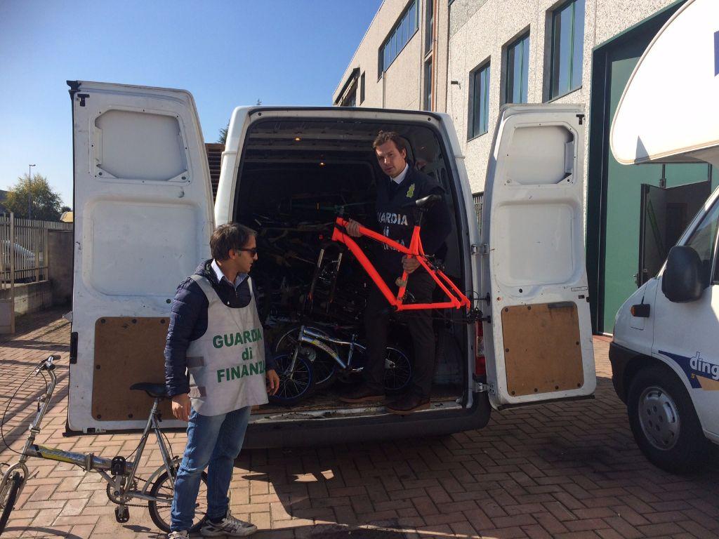 Biciclette di alta gamma contraffate sequestrate ad Avezzano