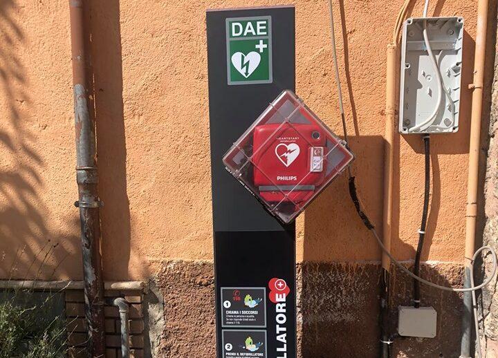 Installato un defibrillatore ad Aielli grazie ai ragazzi del comitato 1993