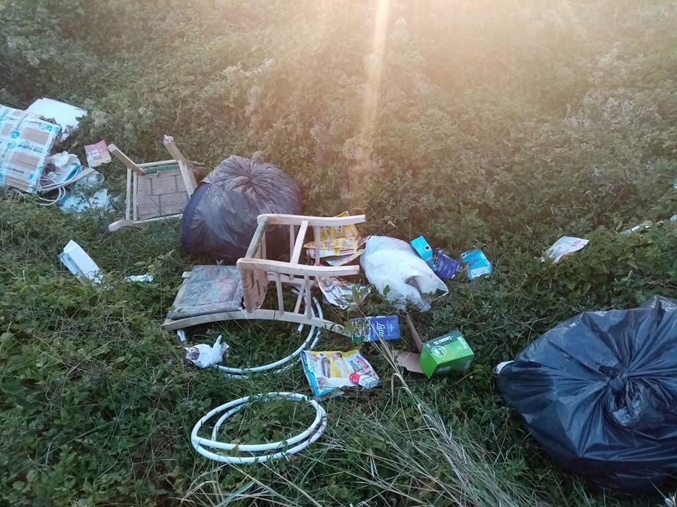 Rifiuti abbandonati in diverse zone di Celano, la rabbia dei cittadini sui social