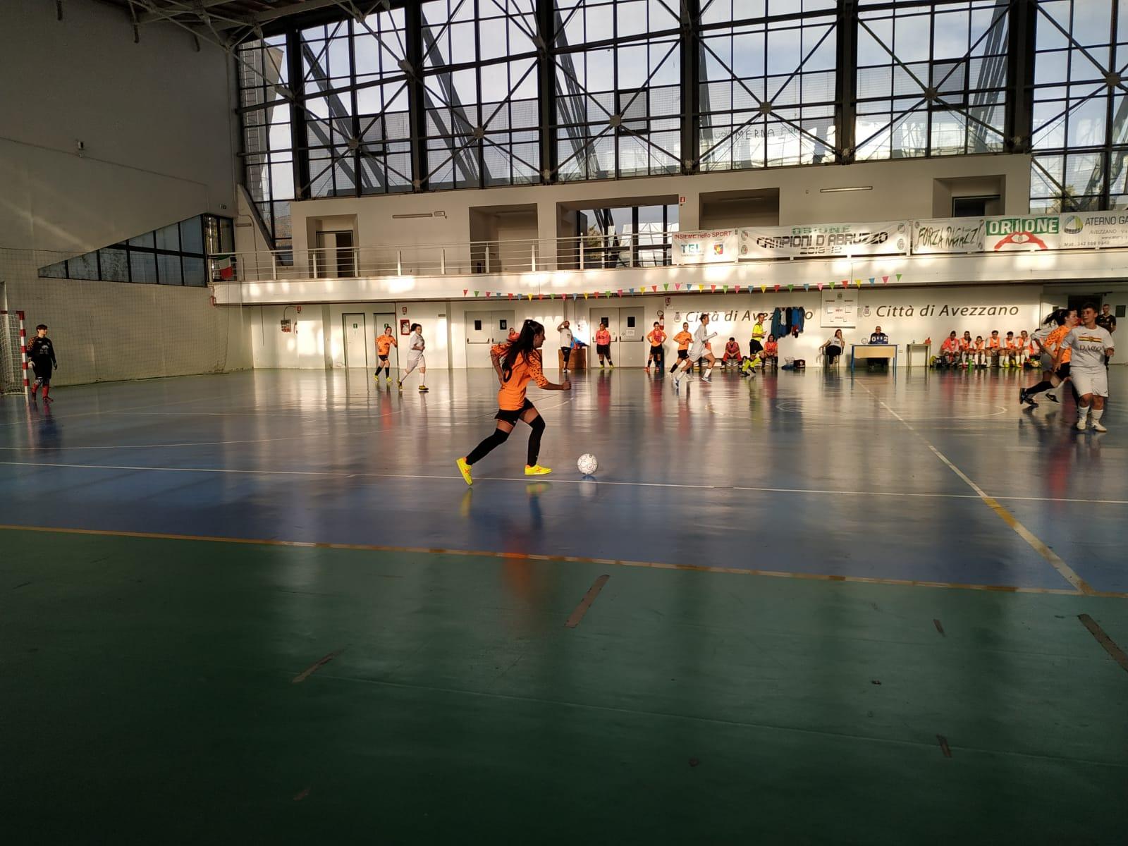 Calcio a 5 femminile, partenza col botto della Fenice; male l'Orione