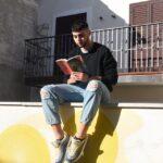 """""""Tra i murales di un piccolo borgo: con i piedi piantati a terra e gli occhi rivolti al cielo"""", il Contest di Reading collettivo dell'Ettore Majorana"""