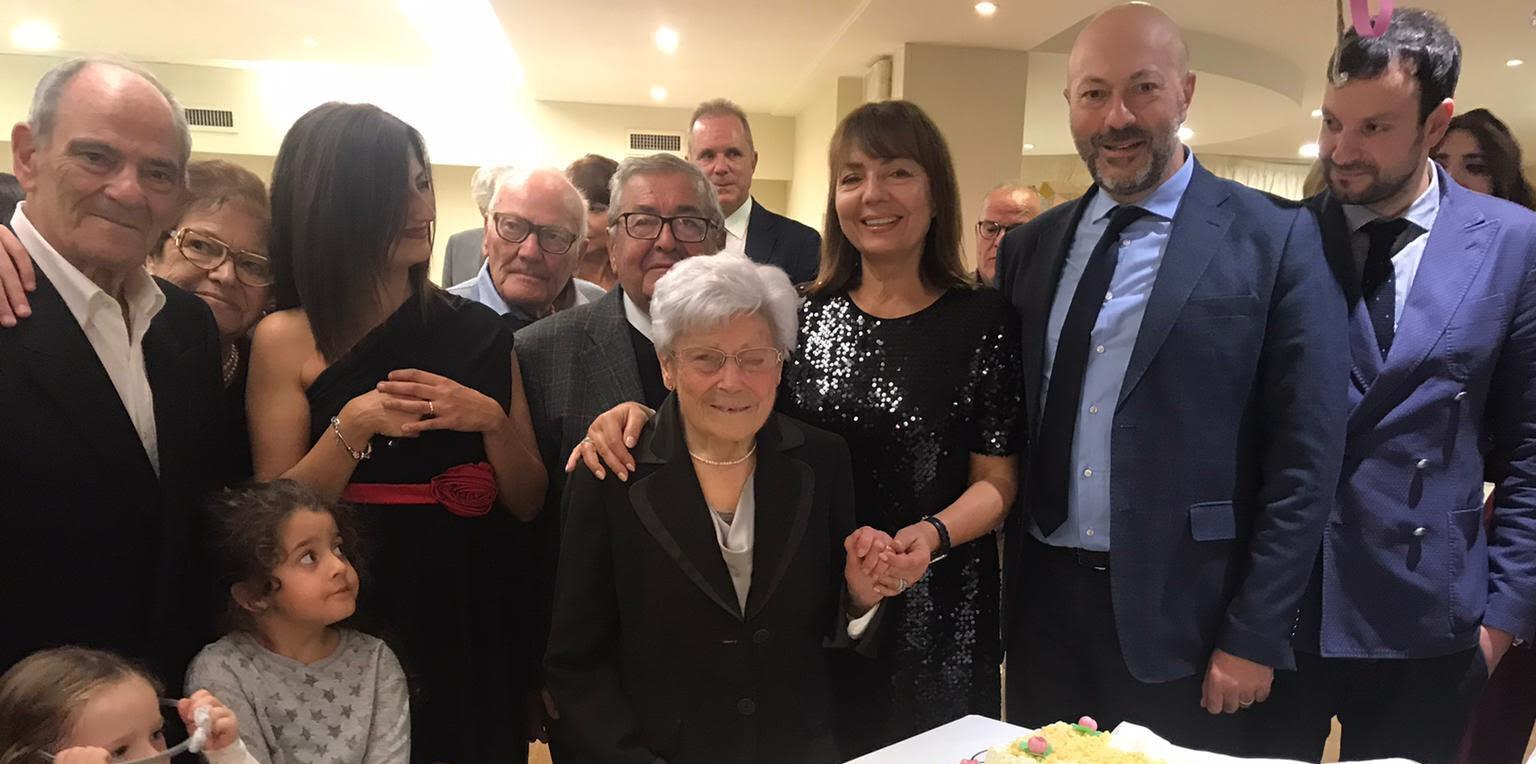 Avezzano, festa per i 100 anni di Vera Dominici