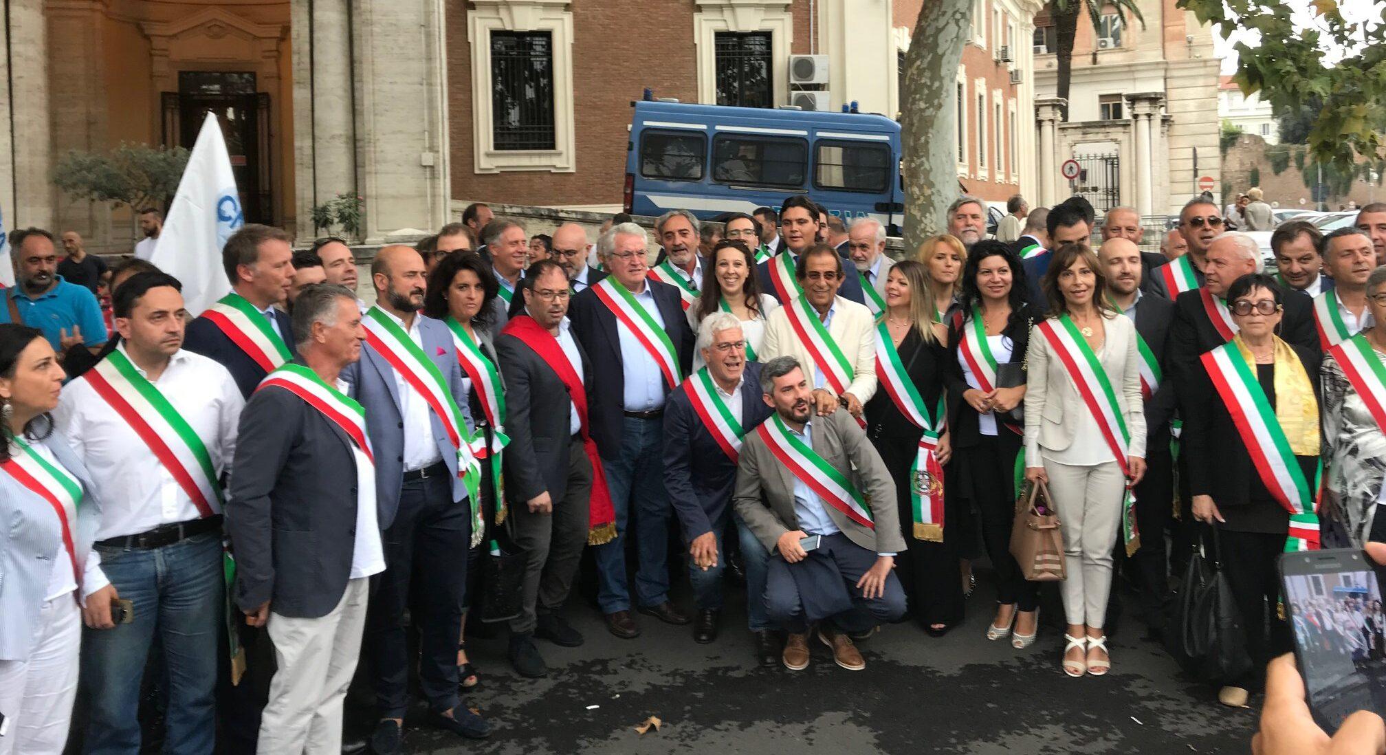 """Impegni, riunioni a Carsoli, manifestazioni e proteste. I Sindaci Abruzzesi e Laziali """"un risultato importante immediato ed uno in prospettiva"""""""