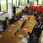 Marsilio visita la Coca Cola di Oricola: nuove tassazioni mettono a rischio la sopravvivenza dello stabilimento