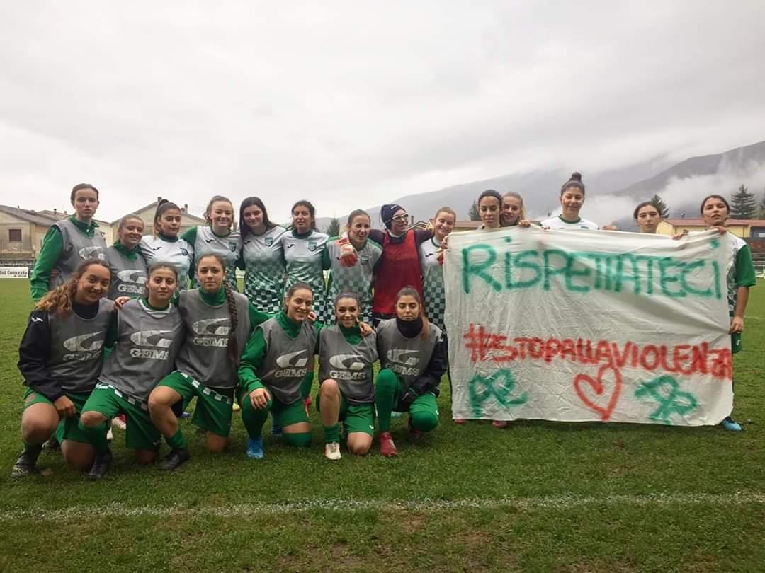 L'Avezzano Calcio femminile vince e dice no alla violenza sulle donne