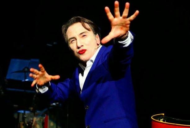 Oggi in scena al Teatro dei Marsi l'attore avezzanese Bruno Maccallini in Grotesk