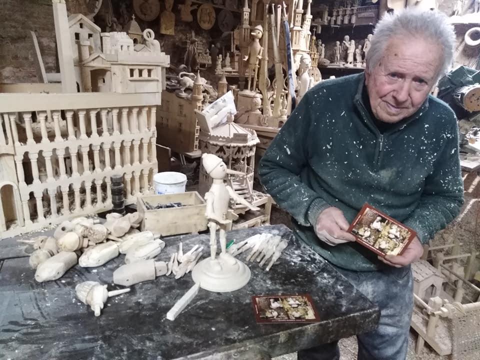 """Al Castello Piccolomini approda """"L'uomo di legno"""" con le tradizioni d'Abruzzo"""