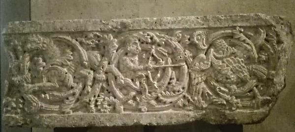 Al Louvre di Parigi l'antico architrave della Chiesa di San Nicola di Avezzano e non solo