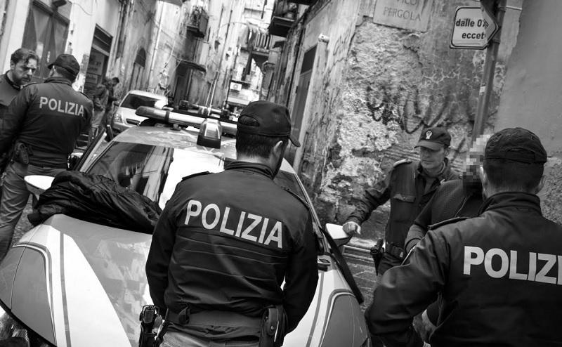 Presentato il calendario della Polizia di Stato, il ricavato andrà all'Unicef