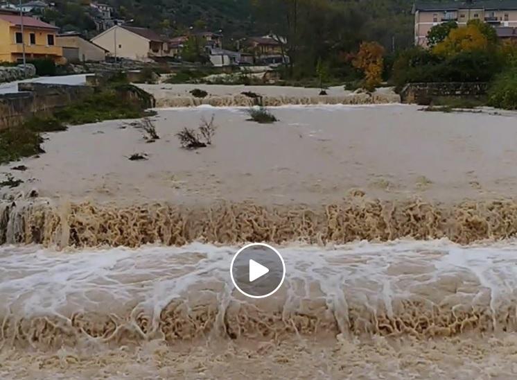 Maltempo, straripa il fiume Tavana a Lecce nei Marsi