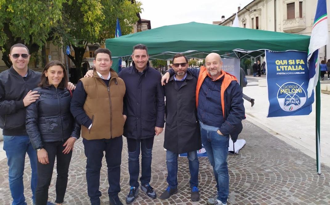 Fratelli d'Italia si conferma partito inclusivo e in grande crescita, raccolte oltre 600 firme