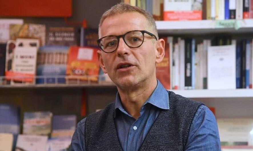 """Il giornalista dell'Espresso Paolo Romano arriva ad Avezzano per presentare il suo ultimo libro dal titolo """"La Formica Sghemba"""""""