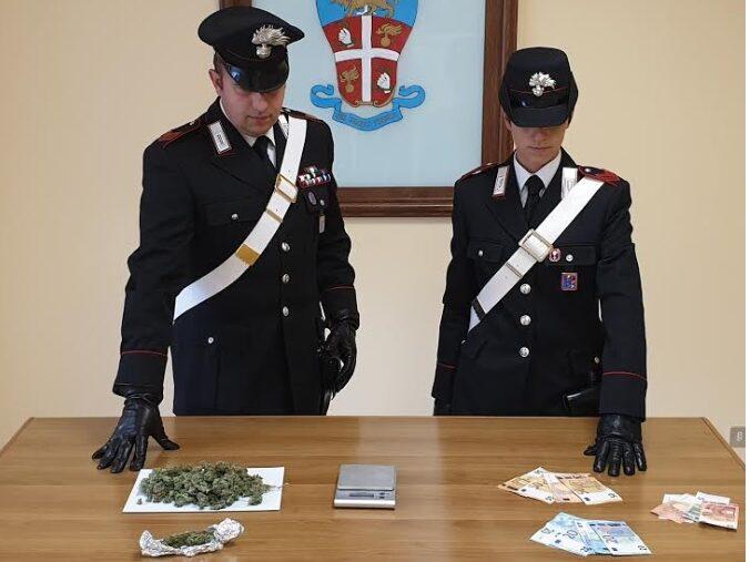 Detenzione e spaccio di sostanza stupefacenti, due arresti