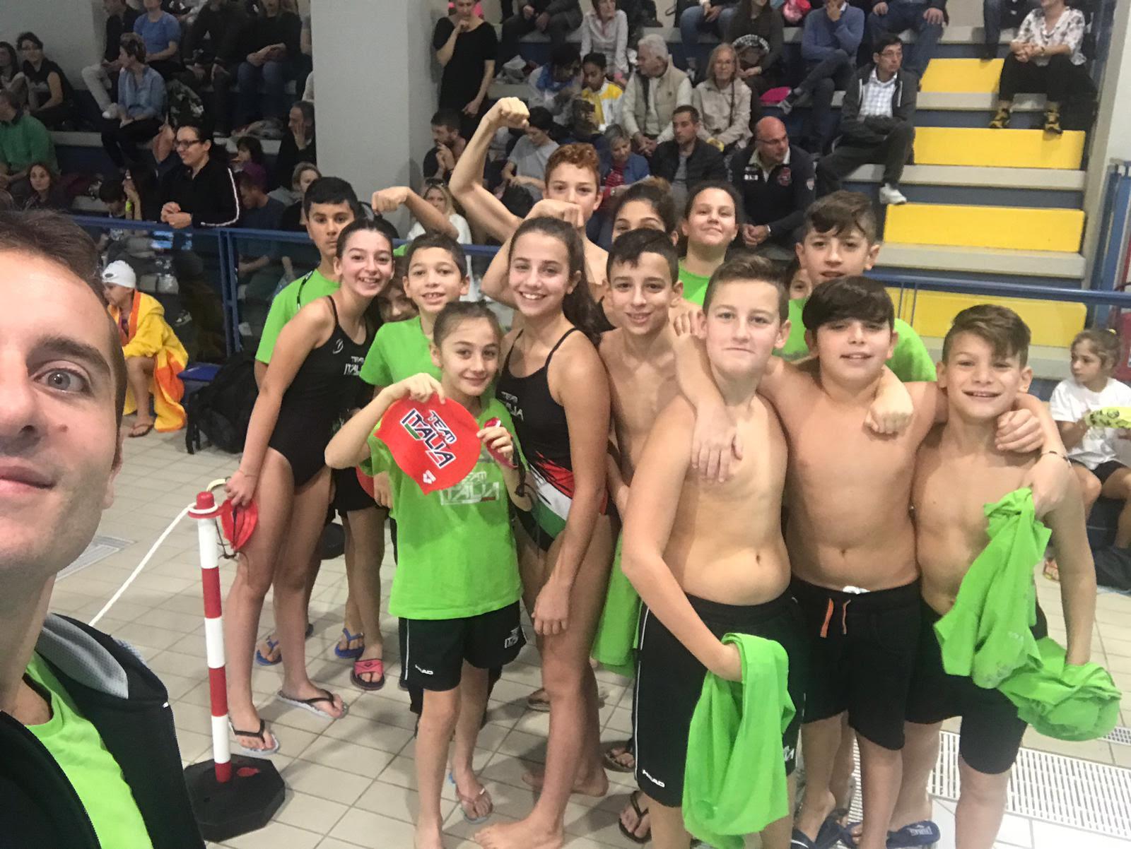 Esordio da sballo per gli esordienti nuoto del Team Centro Italia