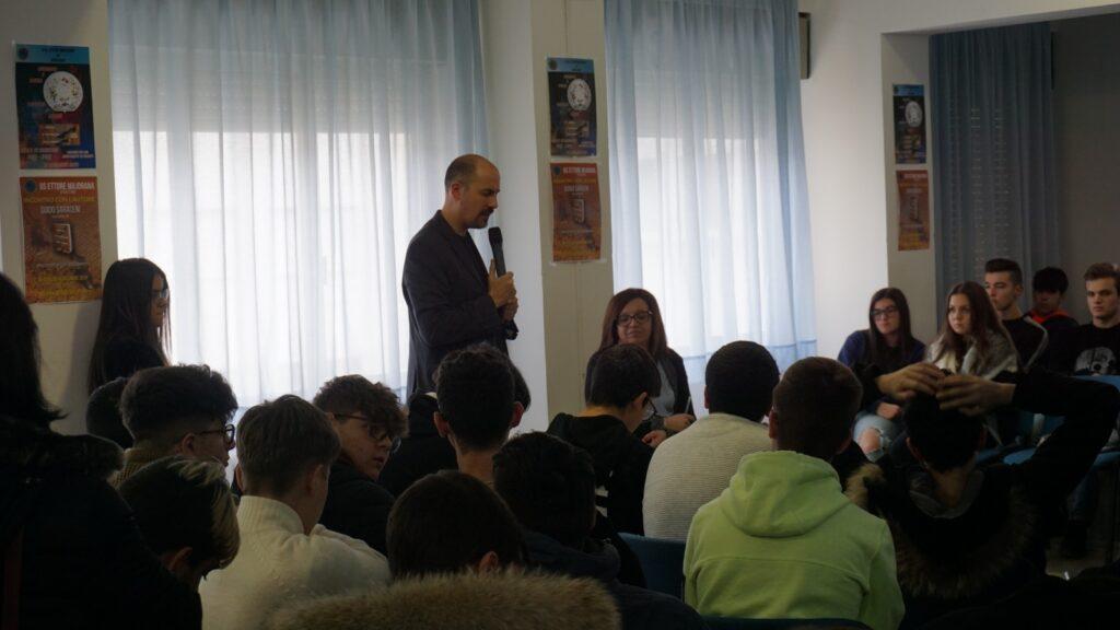 Incontro con lo scrittore Guido Saraceni all'IIS Majorana di Avezzano