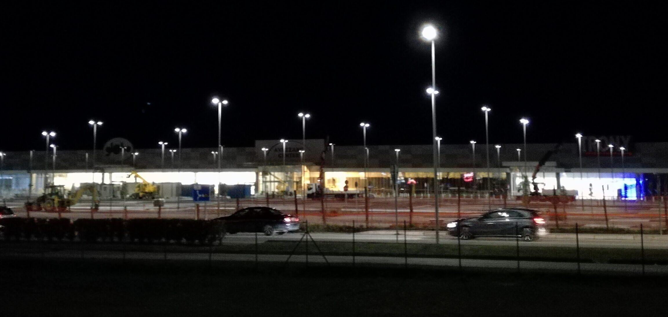 Ancora pochi giorni prima dell'apertura del nuovo centro commerciale. Preoccupazione per il traffico sulla Tiburtina