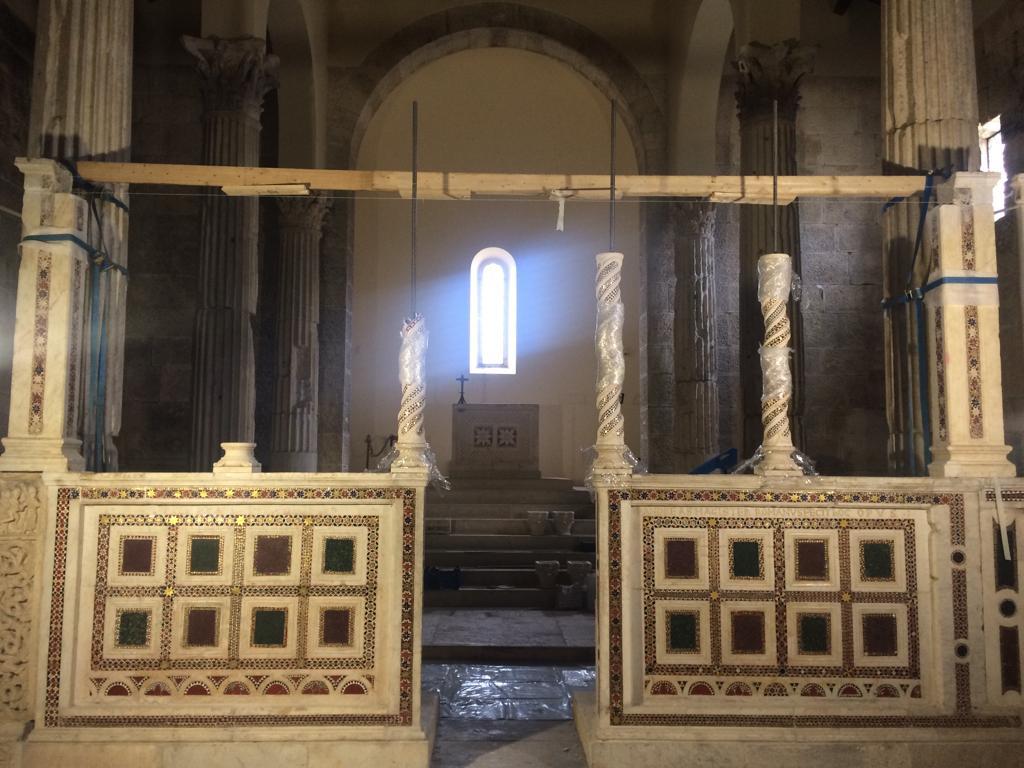 Dopo vent'anni dal ritrovamento grazie alla tecnologia 3D, ritornano nella Chiesa di San Pietro Alba Fucens le colonnine dell'iconostasi