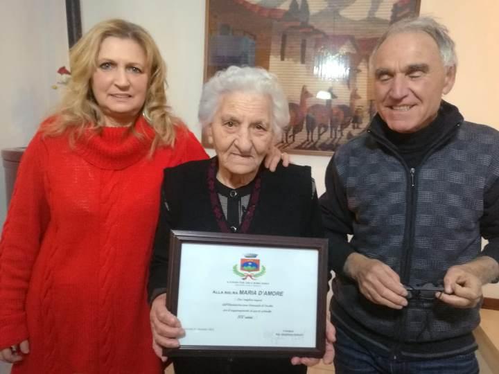 Auguri a nonna Maria per i suoi 100 anni