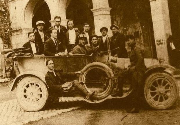La violenta repressione fascista: bandiere rosse bruciate nella Marsica (dicembre 1922)