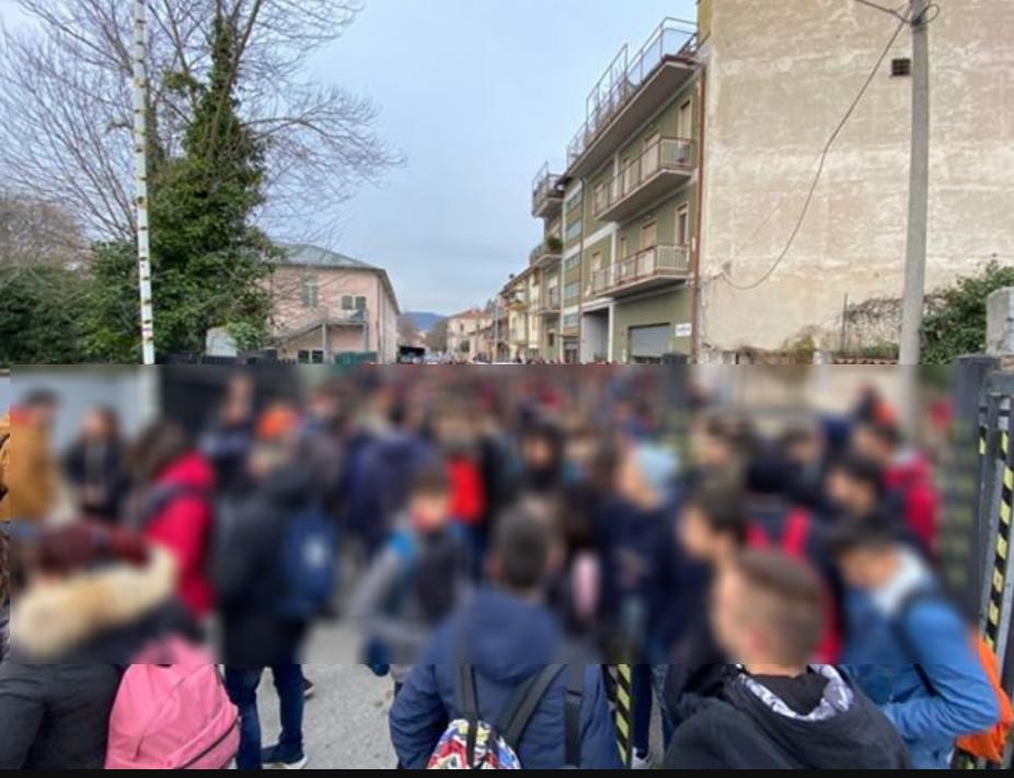 Aule fredde, ad Avezzano sciopero degli studenti