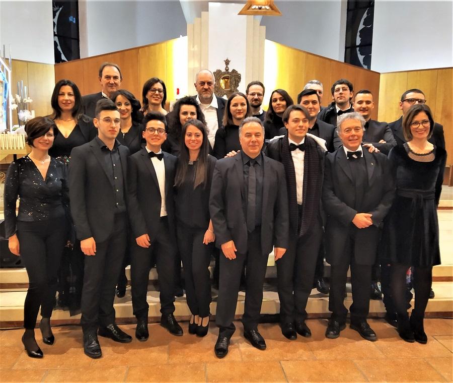 """Gran Concerto di Natale con l'Istituzione Musicale Abruzzese e il coro dell'I.C. """"I.Silone"""""""