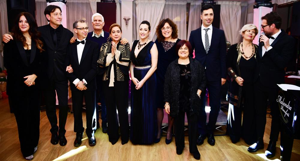 Premio Ambassador, tra i premiati Stefania Pezzopane, Luca Di Nicola, Alina Di Mattia, Massimo Coccia