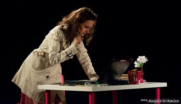 """Amori, dubbi e sorprese ai tempi dei social network, al teatro Off di Avezzano arriva """"Richiesta d'Amicizia"""""""