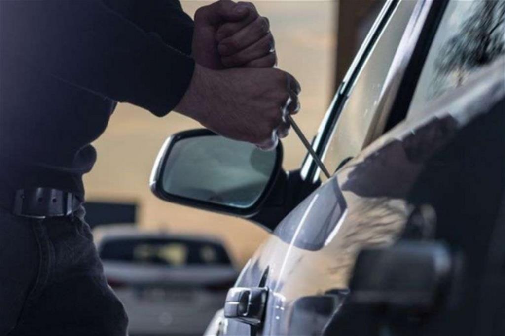 Identificato e denunciato 50enne avezzanese, ritenuto l'autore dei furti alle auto parcheggiate