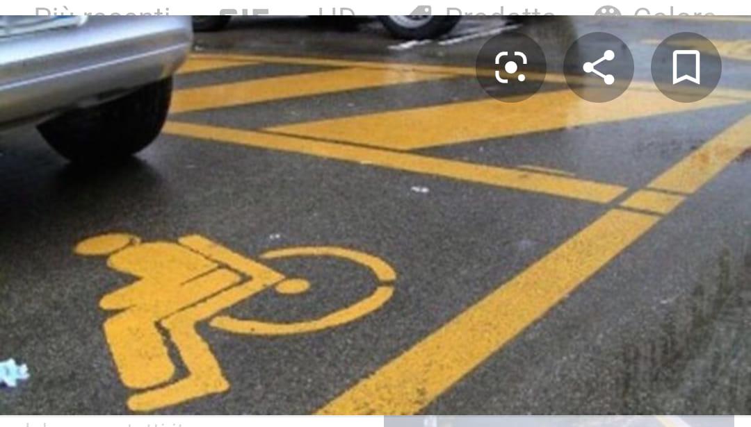 Parcheggi dell'ospedale riservati ai disabili occupati abusivamente, lo sfogo di un cittadino