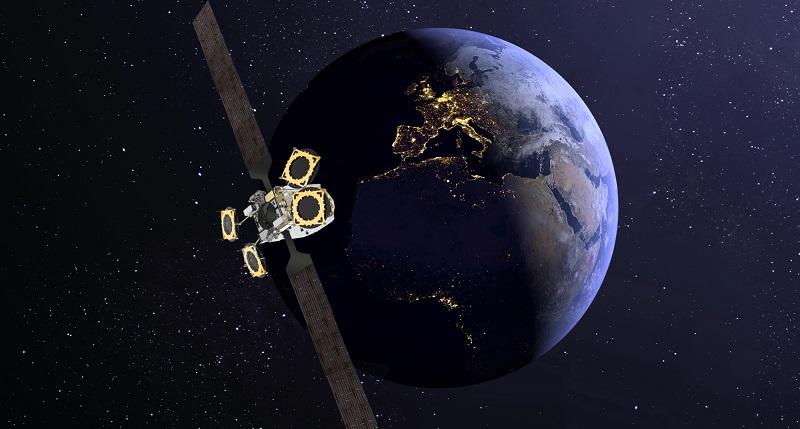 """Lanciato con successo il satellite EutelSat Konnect, grazie ad una """"spinta elettrica"""" dal Telespazio"""