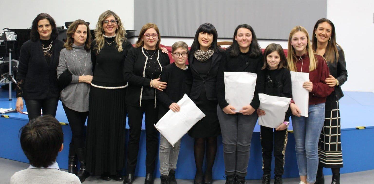 """L'I.C.""""Fontamara"""" di Pescina vince al liceo """"Torlonia"""" con un racconto sulle origini del nostro territorio"""