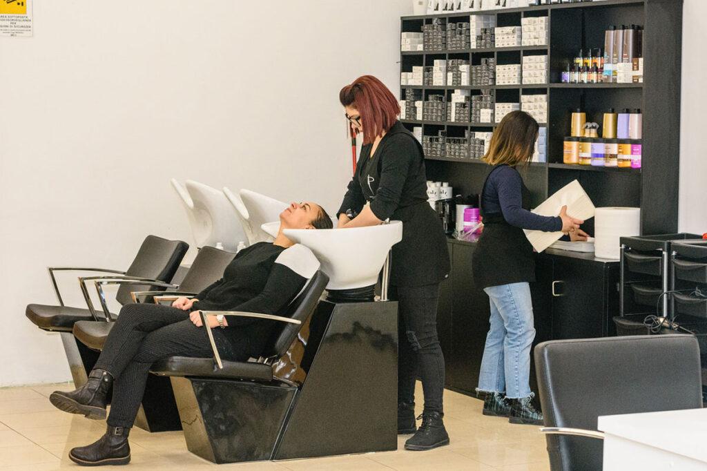 """""""Parrucchieri Estetica"""", ecco il nuovo negozio di parrucchieri che ha aperto le sue porte nel cuore della Marsica"""