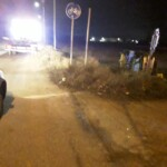 Auto si ribalta alle porte del paese, in fuga gli occupanti