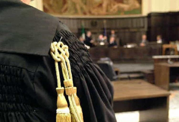 Aggressione ai carabinieri, convalidato l'arresto del dominicano. Sospeso il reddito di cittadinanza