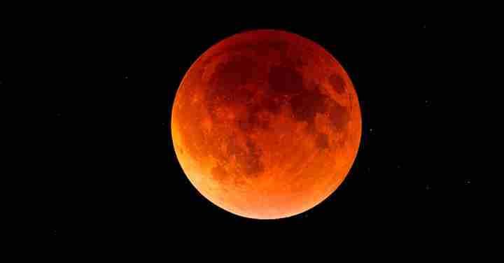 Questa sera lo spettacolo della prima eclissi di Luna del 2020
