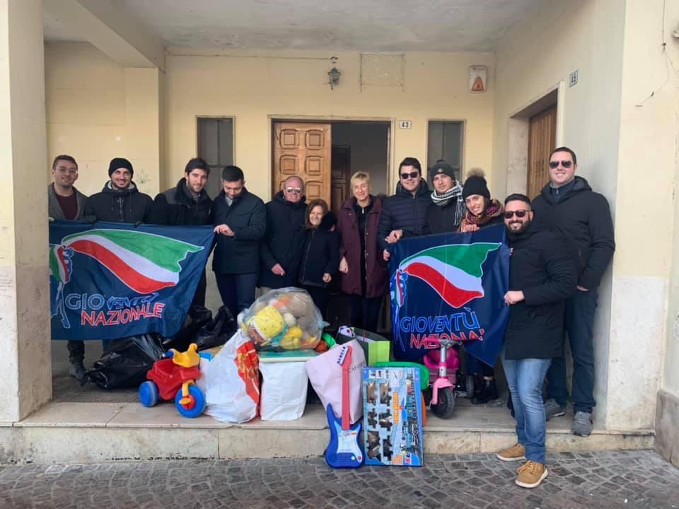 """Grande successo per la campagna """"Io Dono"""", in molti hanno donato un gran numero di giocattoli"""