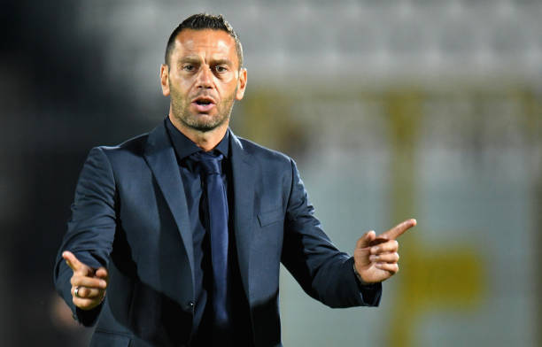 Luciano Zauri si dimette, non sarà più il tecnico del Pescara. Panchina a Legrottaglie
