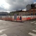 Piazza del Mercato, lavori bloccati, commercianti sul piede di guerra