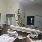 Rapina con il botto al postamat di Aielli, i ladri fanno esplodere parte dell'edifico postale e abbattono anche il muro degli uffici comunali