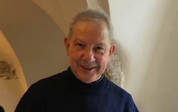 Addio a don Angelo Rossi, il parroco di Opi