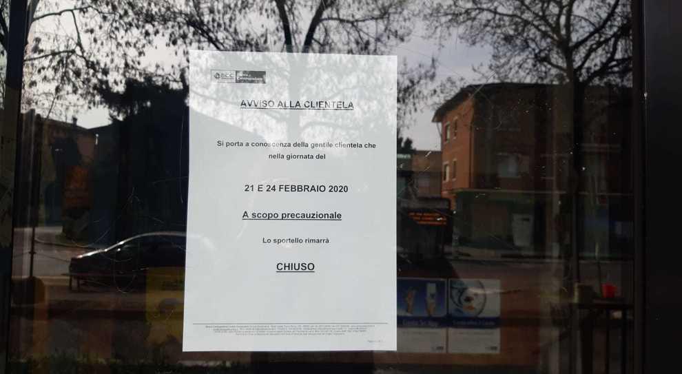 Consumano alimentari all'interno di un bar di Avezzano, la polizia li multa per assembramento e chiude il locale