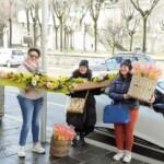 """Festa della donna, il sindaco Marivera de Rosa dona mimose alle donne """"che hanno vissuto tra due grandi guerre"""""""