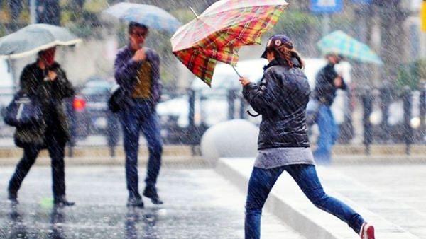 Meteo. Intense perturbazioni in arrivo con pioggia, vento e nevicate in montagna