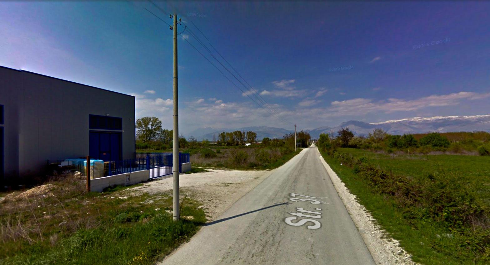 Strada 37 del Fucino chiusa per pali pericolanti