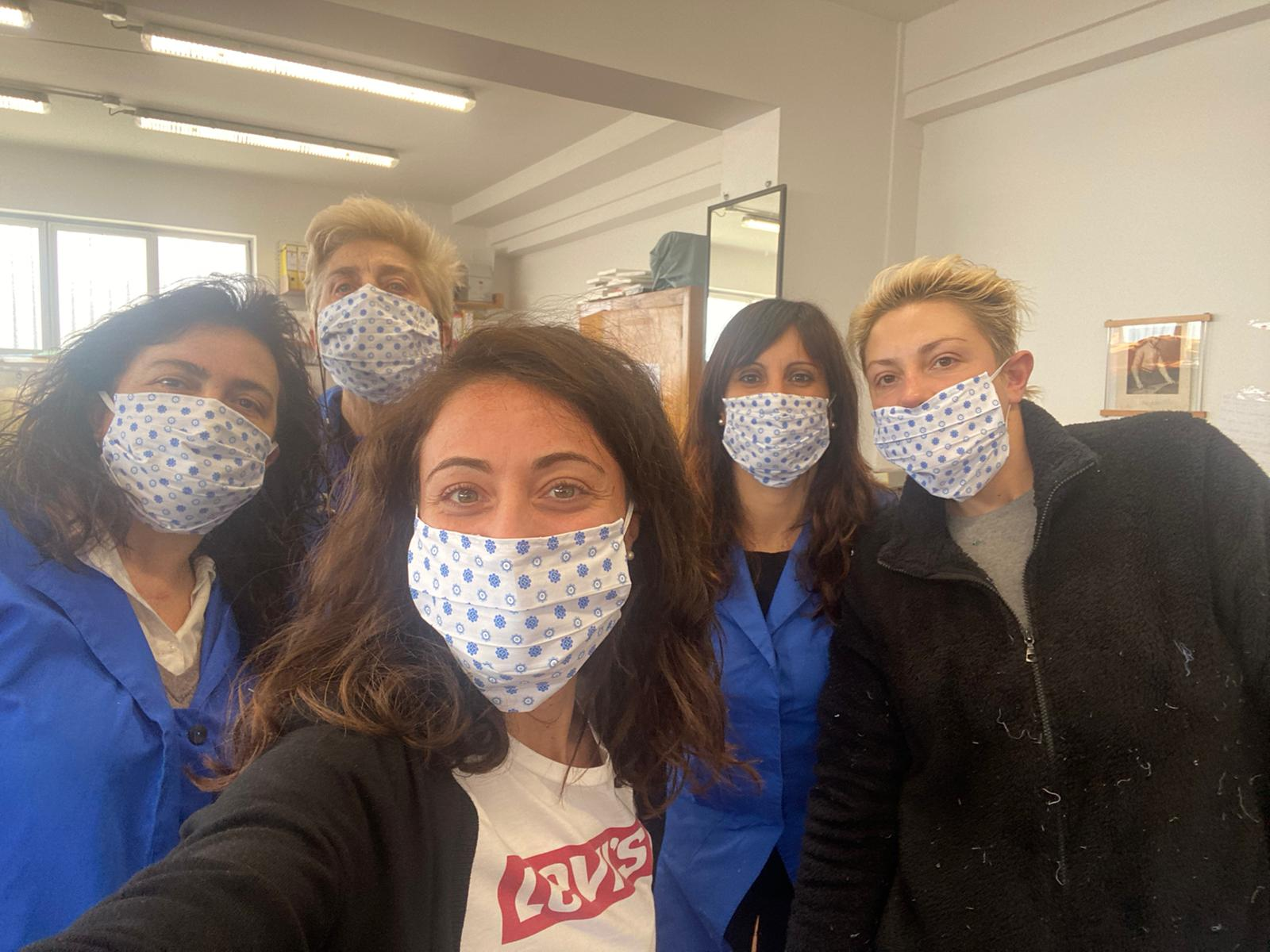 Coronavirus, l'azienda marsicana di camicie Cordone Srl inizia a produrre mascherine