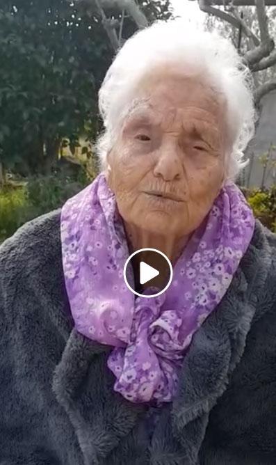 """Anna Noce di 108 anni invia sul web il più bel messaggio di incoraggiamento """"andrà tutto bene"""""""