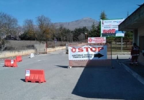 Nuove regole per la viabilità di accesso all'Ospedale di Avezzano, istituito un posto di controllo nella portineria