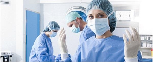LFoundry dona mascherine, occhiali, copriscarpe e guanti agli operatori sanitari