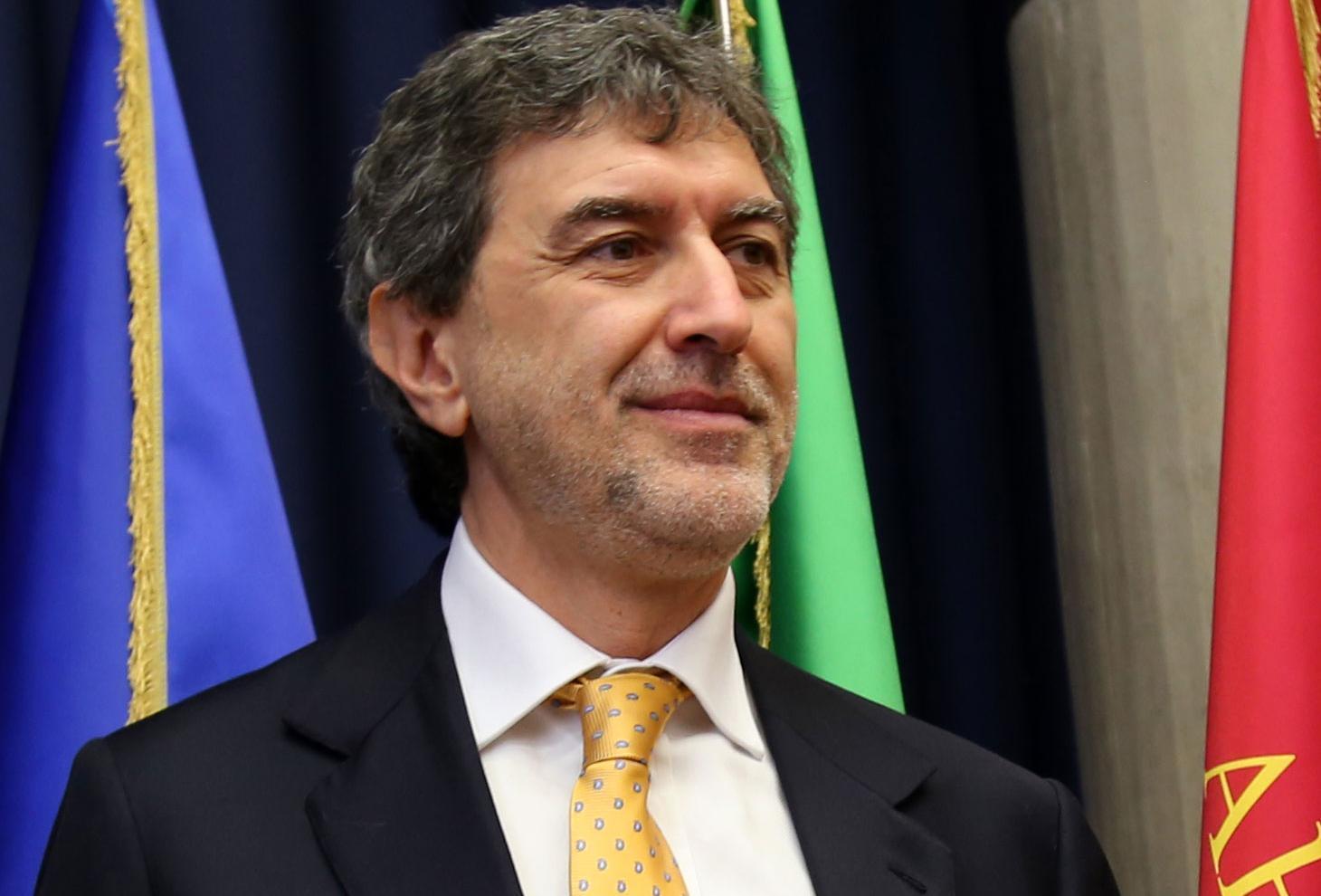 """Coronavirus: Marsilio firma ordinanza regionale per quarantena. Verì """"L'emergenza non è un film"""""""